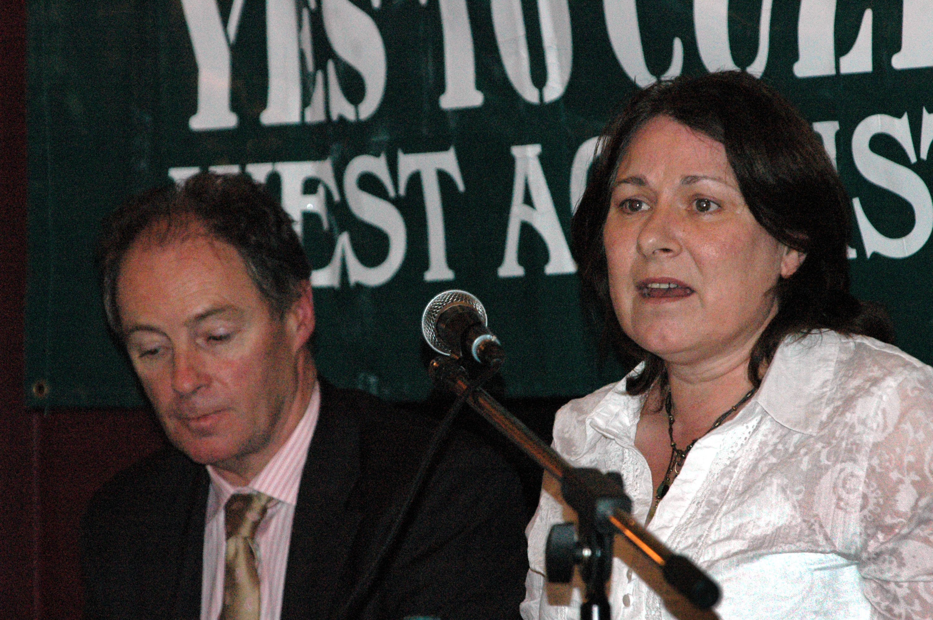 brian-kerr-and-una-marron-warn-march-2006